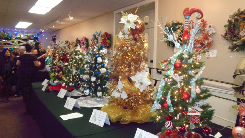 brac sets holiday tone with pre black friday christmas sale sold out - Black Friday Christmas Tree Sale