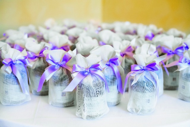 Fabulous wedding favors and unique bridal party gifts – Royal Examiner